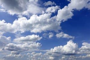 Einfacher Wolkenhimmel